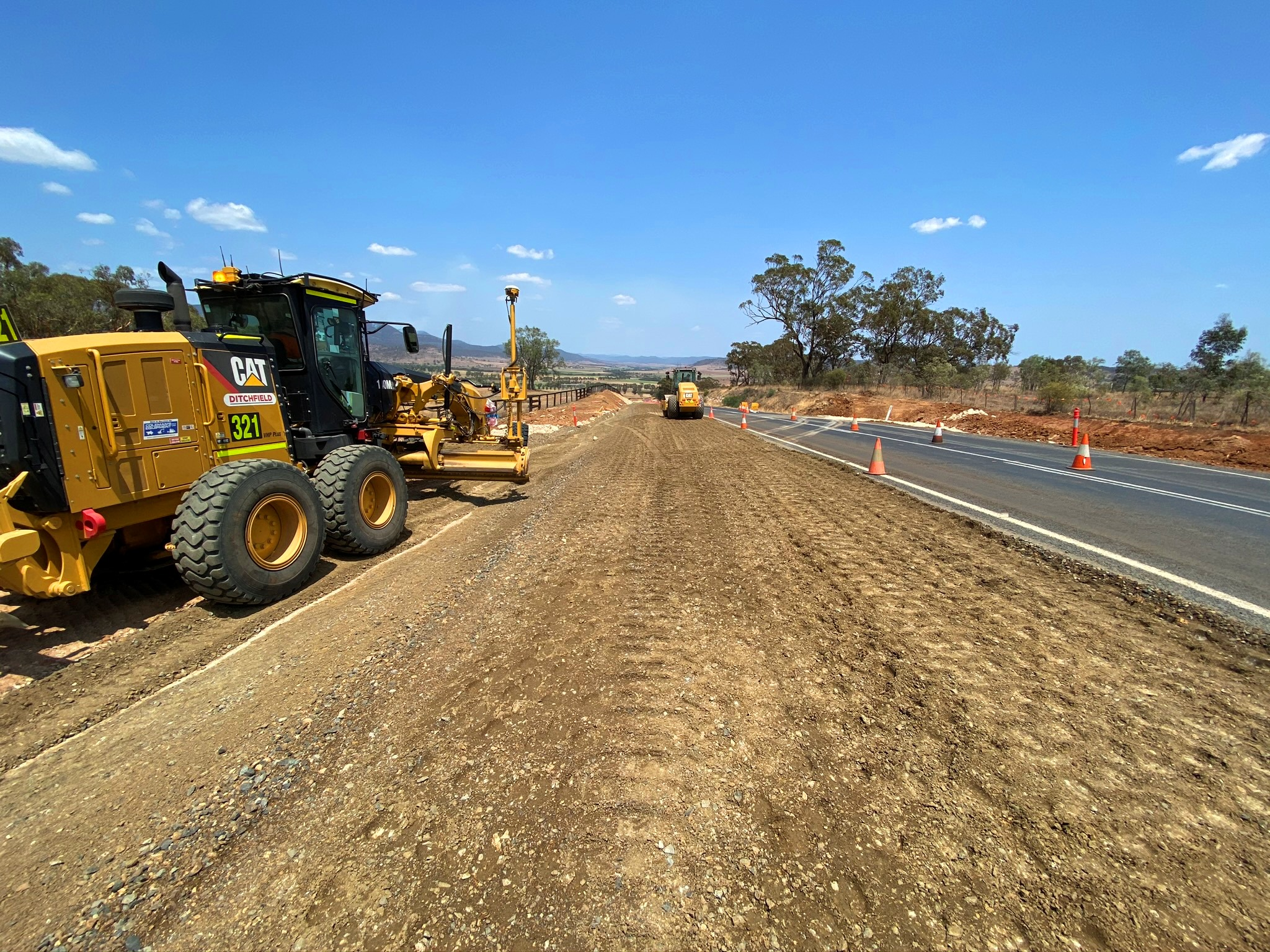 Infrastructure - Golden Highway - Grader